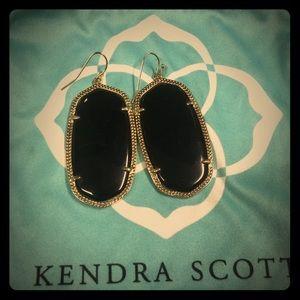Authentic Kendra Scott Signature Danielle Earrings